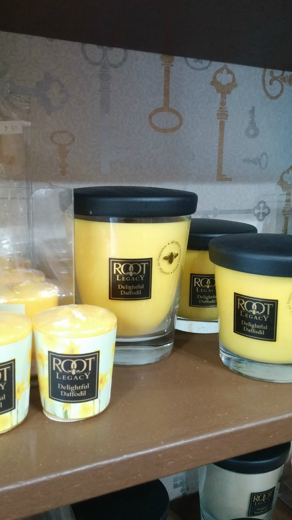 Root Daffodil Candles 15% OFF THIS Week ONLY! IN-STORE Special