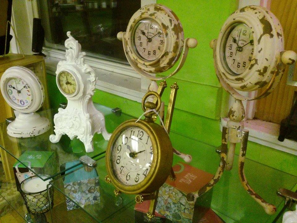 Breanna's Picks: Vintage Clocks.
